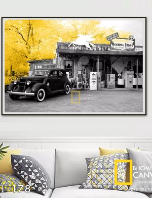 Tranh Canvas phong cảnh Ô tô và cây lá vàng WT-178